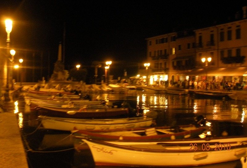 Lazise di notte (Lazise by night)