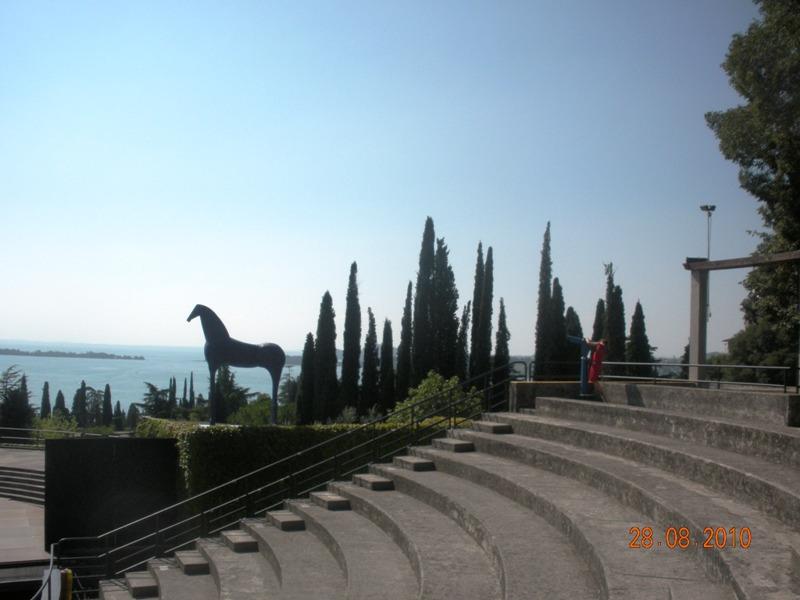 Cat lago di garda vittoriale for Sedia di d annunzio