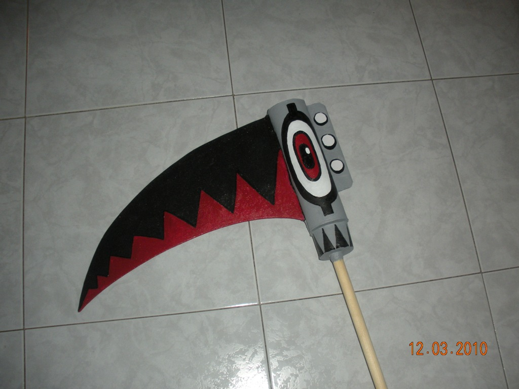 Cosplay - Falce di Maka personaggio dell'anime Soul Eater ...