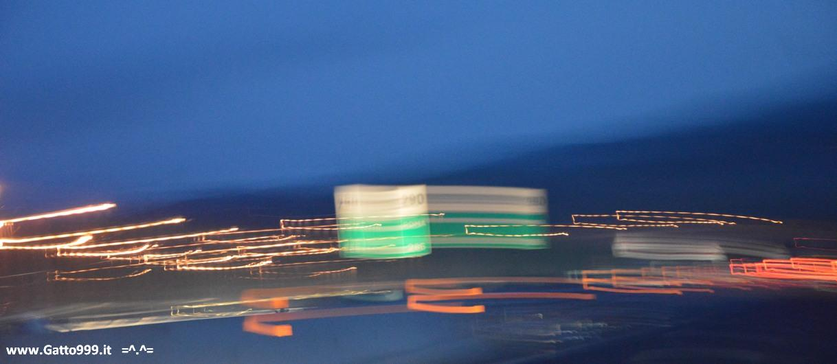 Autostrada di notte - night highway - carretera - autoroute