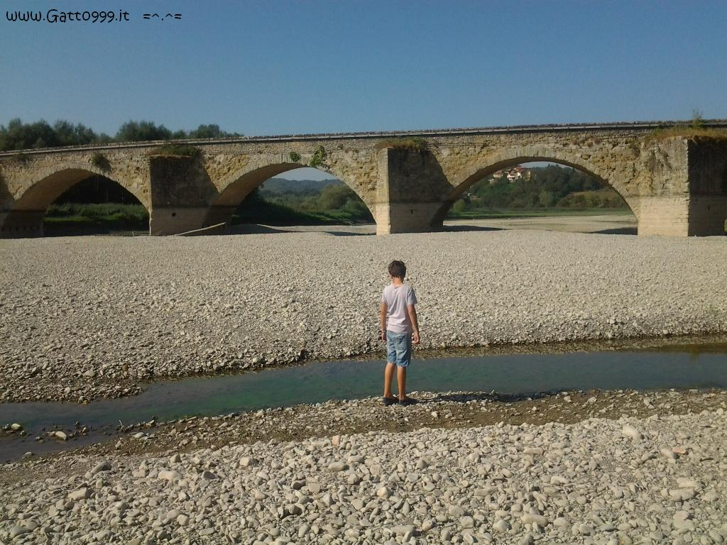 Fiume in secca e Ponte Romano - under Roman Bridge ...