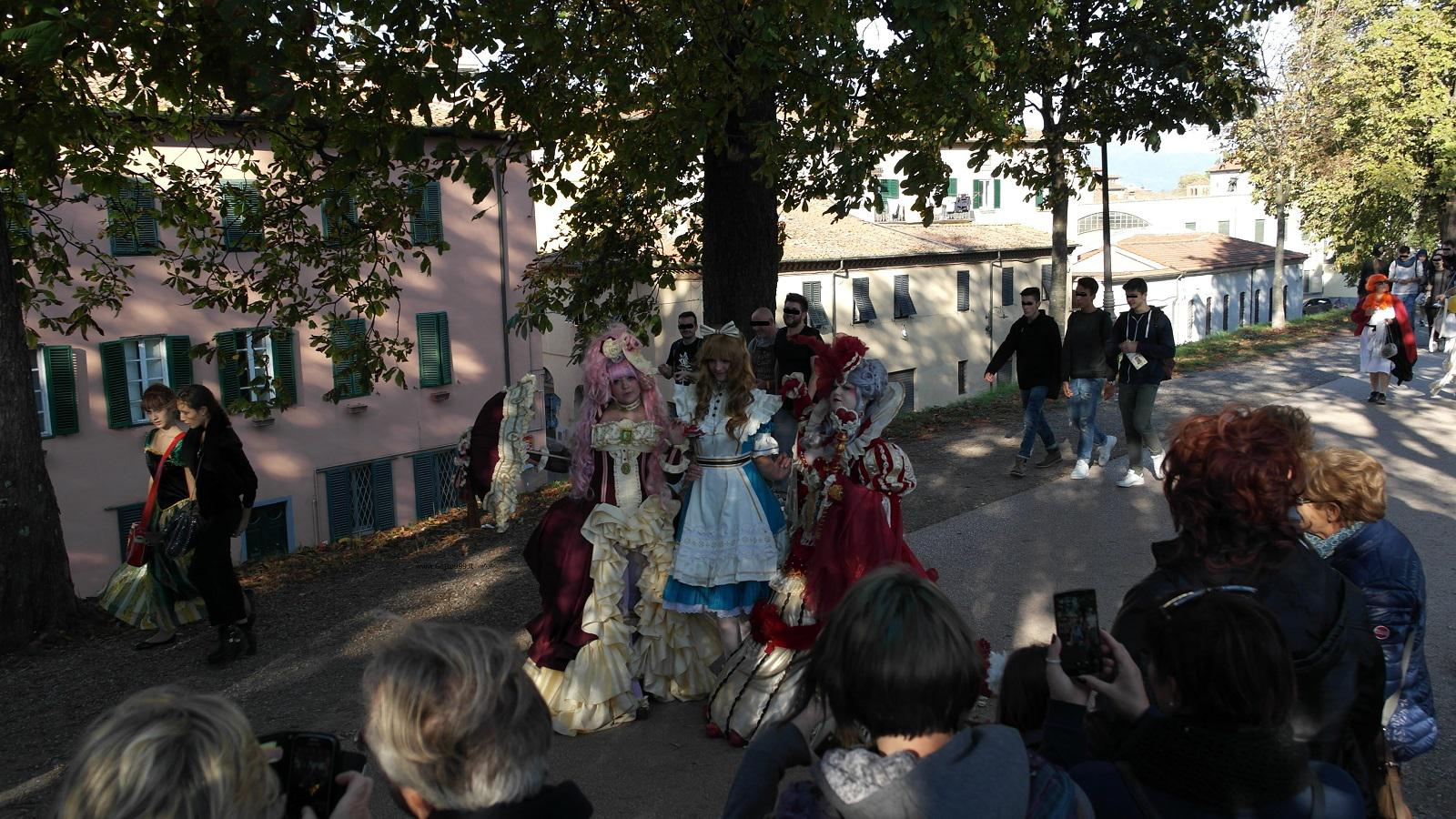 Lucca Comics and Games 2015 - Alice Cosplay