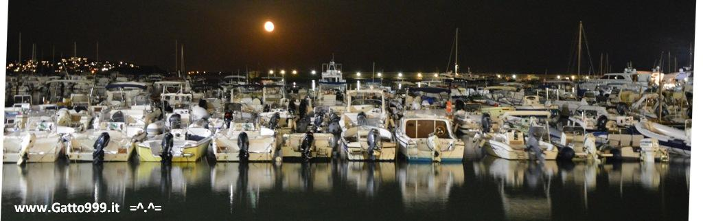 Porto Ercole by Night con luna rossa ...