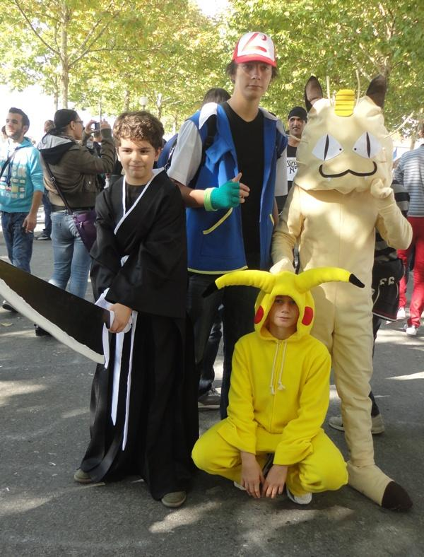 Lucca Comics 2011 Cosplay - Pokemon - Pikachu ( ピカチュウ ) con Ash e Meo ...