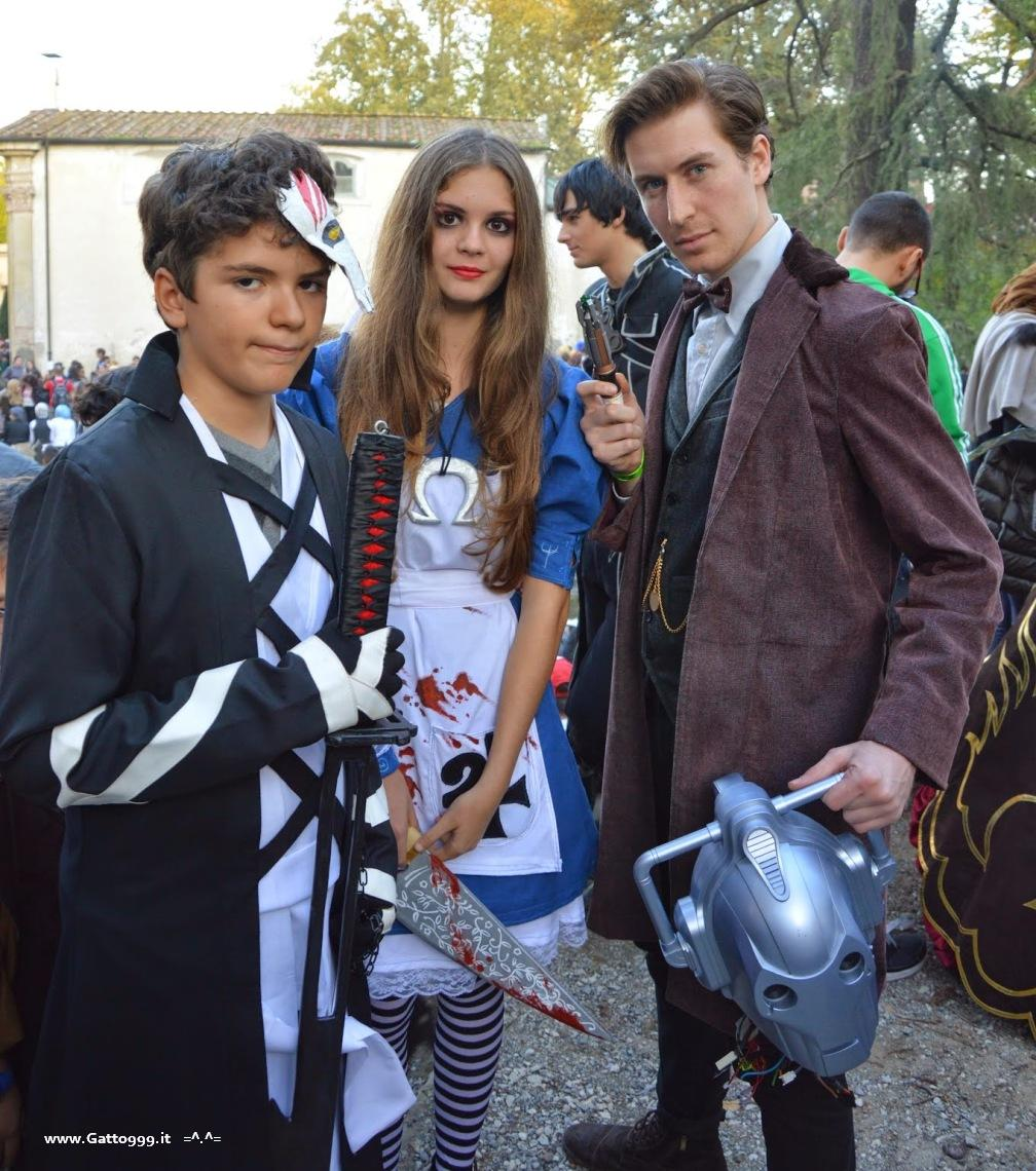 Cosplay Doctor Who e Cyberman Lucca Comics and Games 2014 ... io sono Ichigo del cartone animato Bleach, in forma bankai fullbring, con la mia spada e la mezza maschera da Hollow