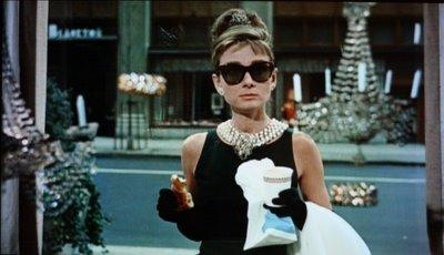 Colazione da Tiffany - Breakfast at Tiffanys - Frühstück bei Tiffany - Desayunando en Tiffany's - Diamants sur canapé
