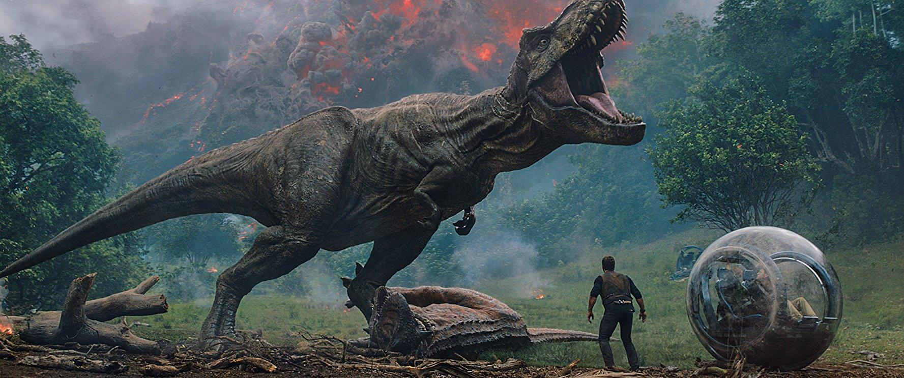 Jurassic World Fallen Kingdom - prateria rex run sphere scene - film poster
