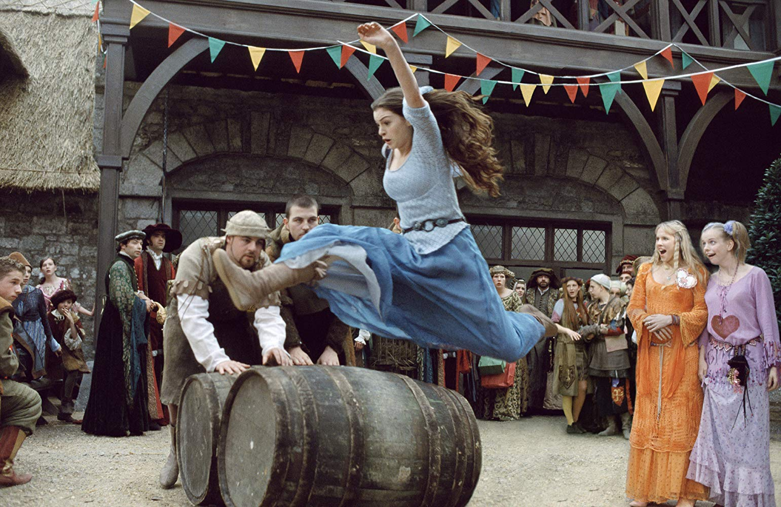 Ella Enchanted 2004 Anne Hathaway jumping