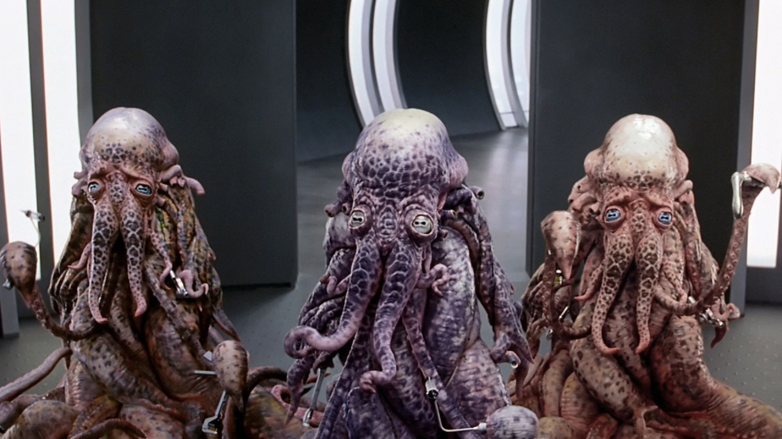 Galaxy Quest 1999 Aliens real bodies