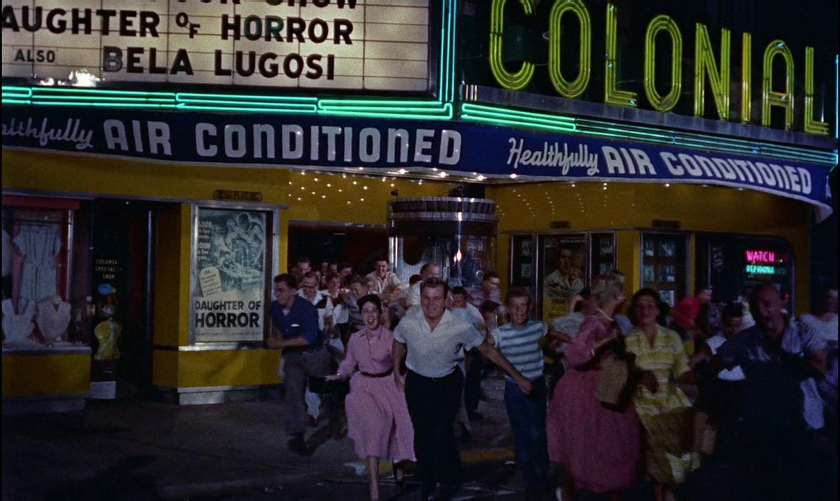 The Blob (1958) scene people running out