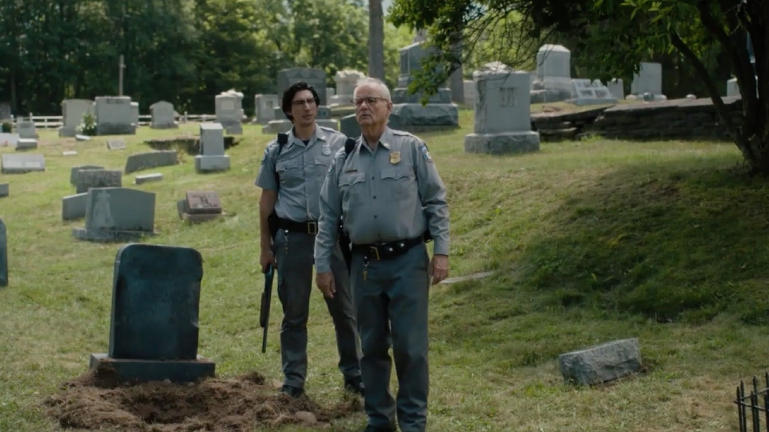 The Dead don't Die 2019 scene Cemetery - Bill Murray, Adam Driver