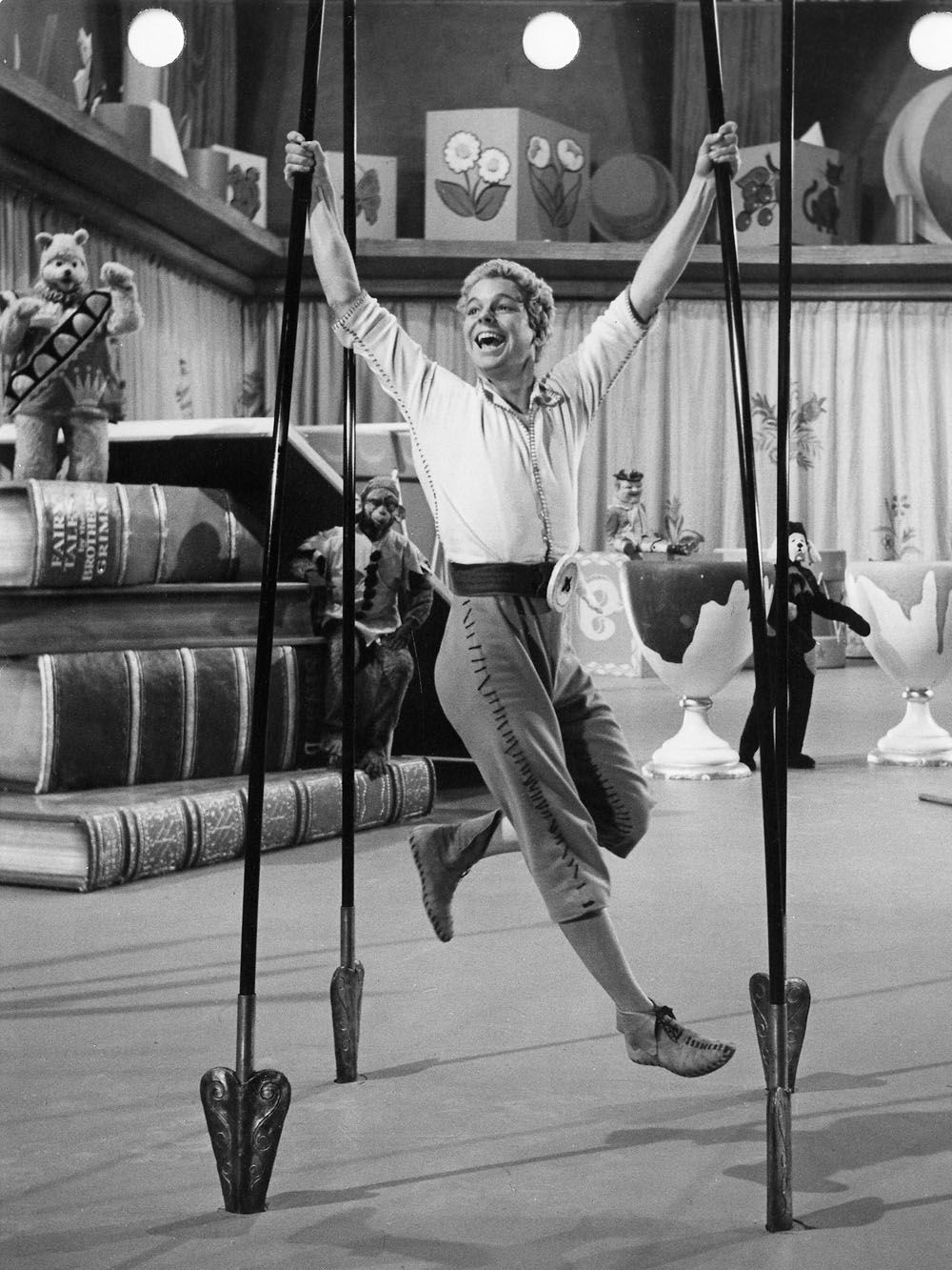 Tom Thumb 1958 scene dancing