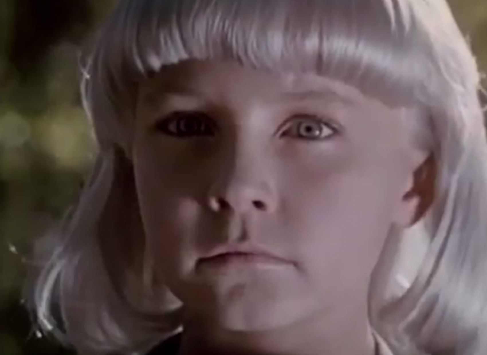 Village of the Damned 1995 by John Carpenter ... white blonde child