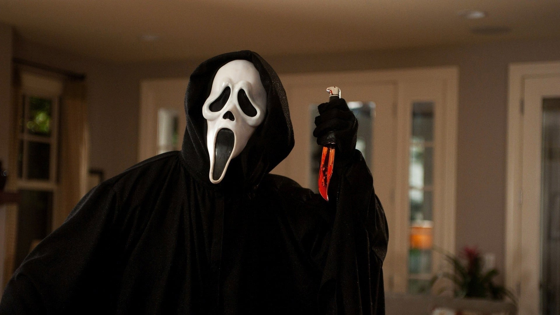 Scream (1996) - killer mask and bloodly knife