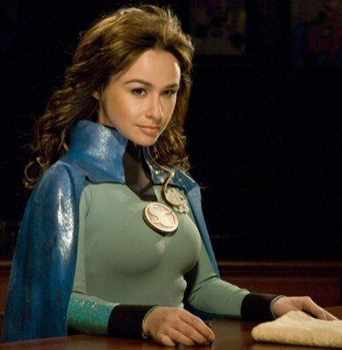 Super Capes - Danielle Harris as Felicia Freeze