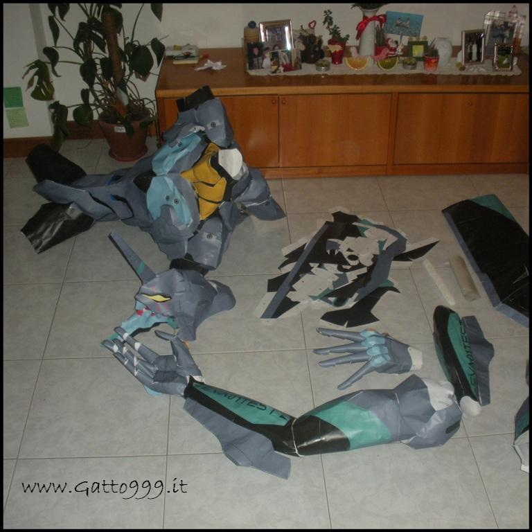 Il Robot di Carta più grande del Mondo !... Evangelion Eve01 Papercraft Papermodel Greatest Biggest in the World Bigger Grande tall real record ...