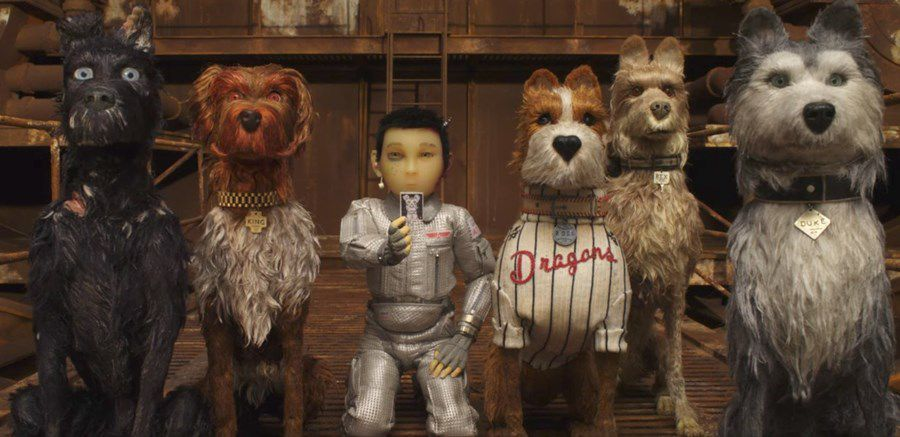 Isle of Dogs - L'Isola dei Cani (animated film) - scene - dogs and astronaut