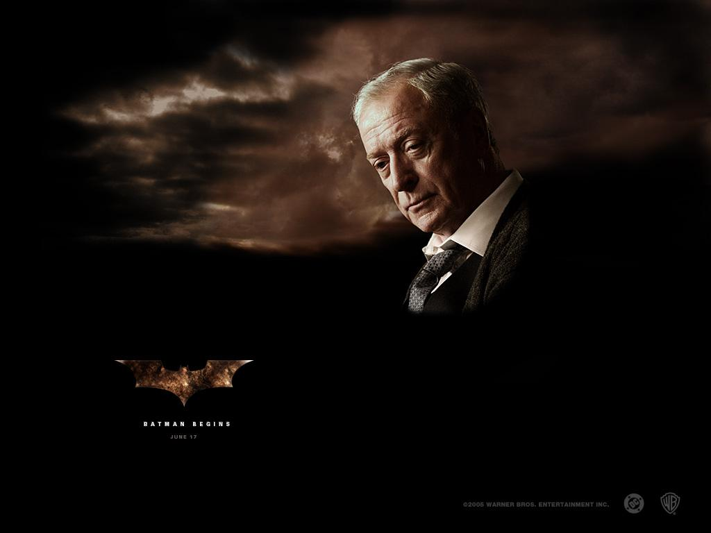 Michael Caine (Alfred Pennyworth)