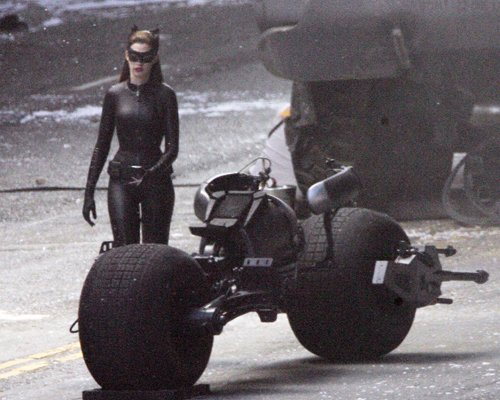 Batman The Dark Knight Rises - Catwoman and moto