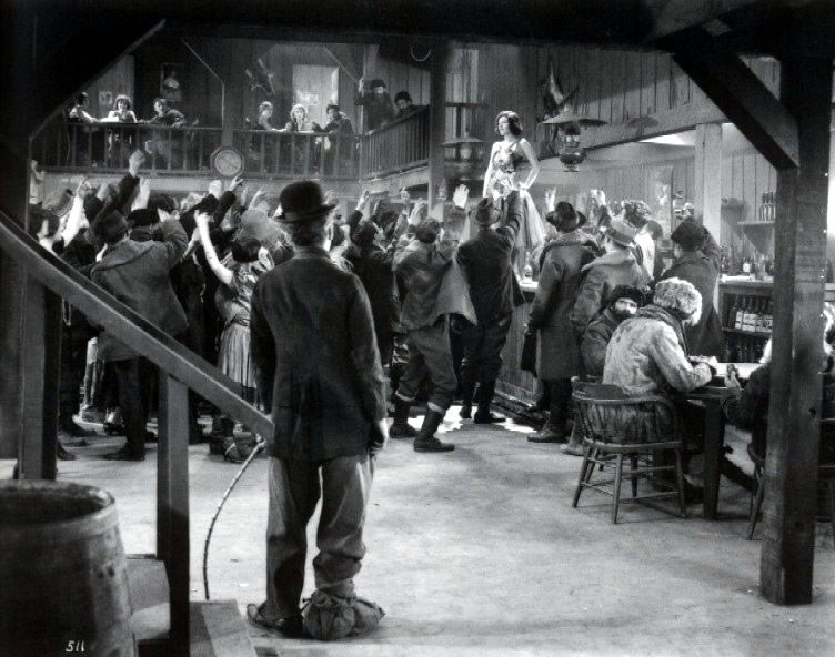 Film - Charlie Chaplin - 1925 - Gold Rush - Corsa all'Oro - scene