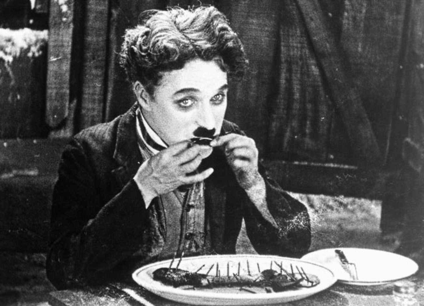 Film - Charlie Chaplin - 1925 - Gold Rush - Corsa all'Oro - scene dinner