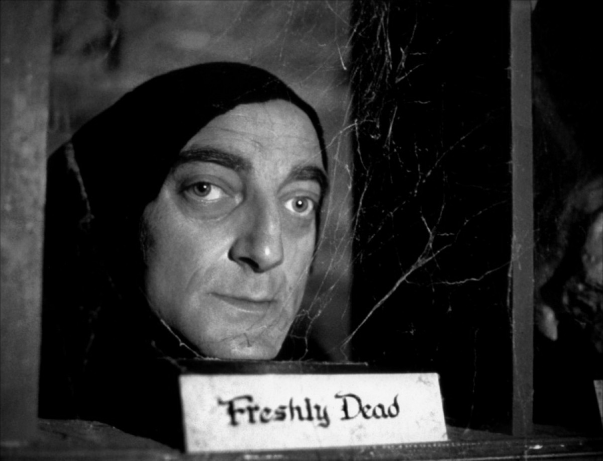 Frankenstein Junior (Young Frankenstein) - Igor Freshly Dead