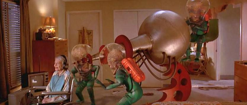 Mars Attacks - film scene - destroy the old woman
