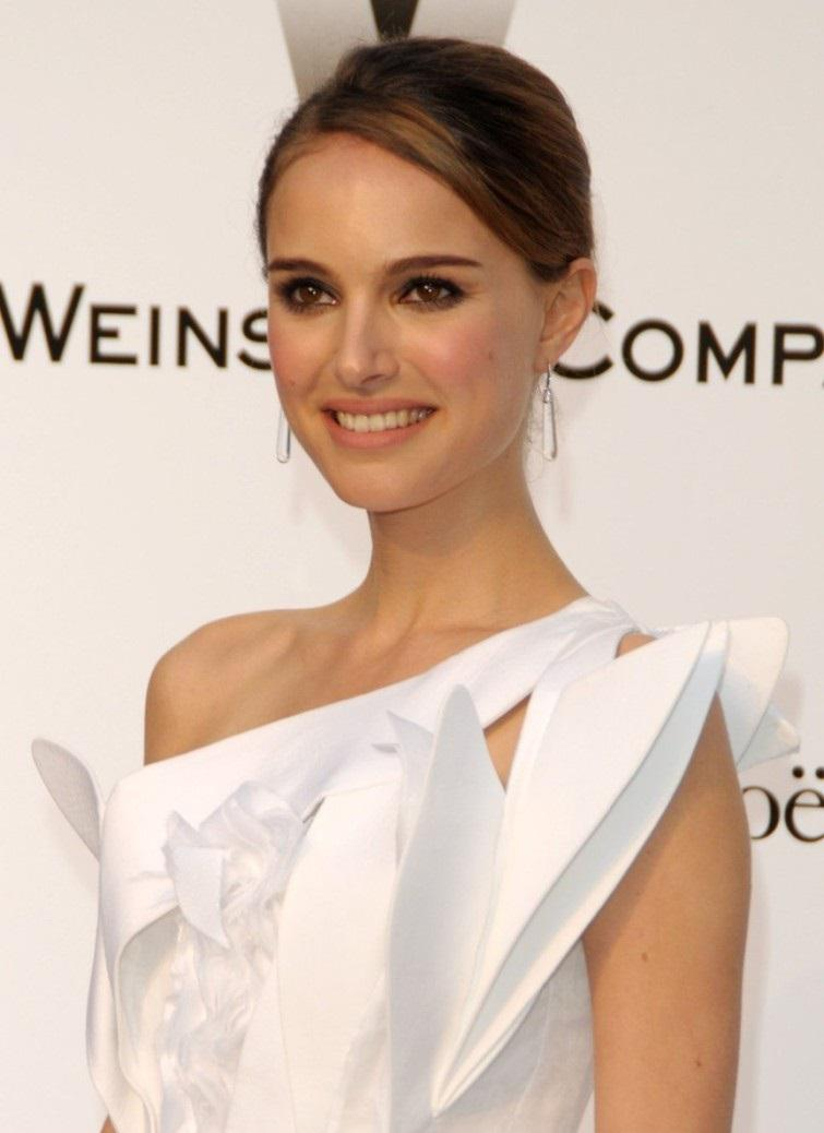 Natalie Portman - white dress