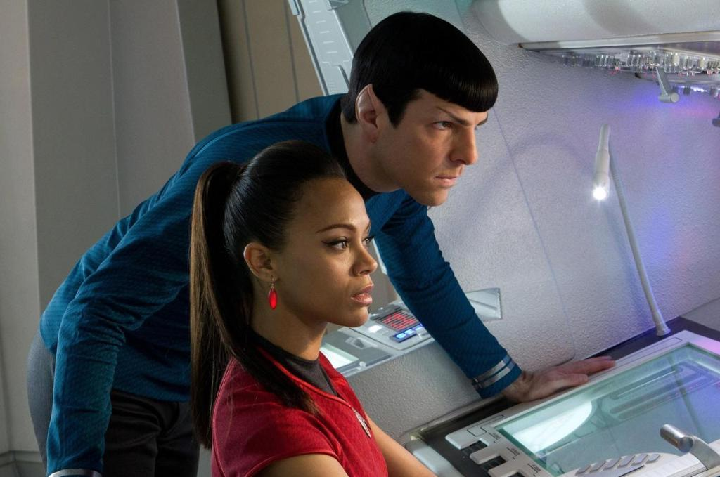 Star Trek 12 Into Darkness - Spock e Uhura