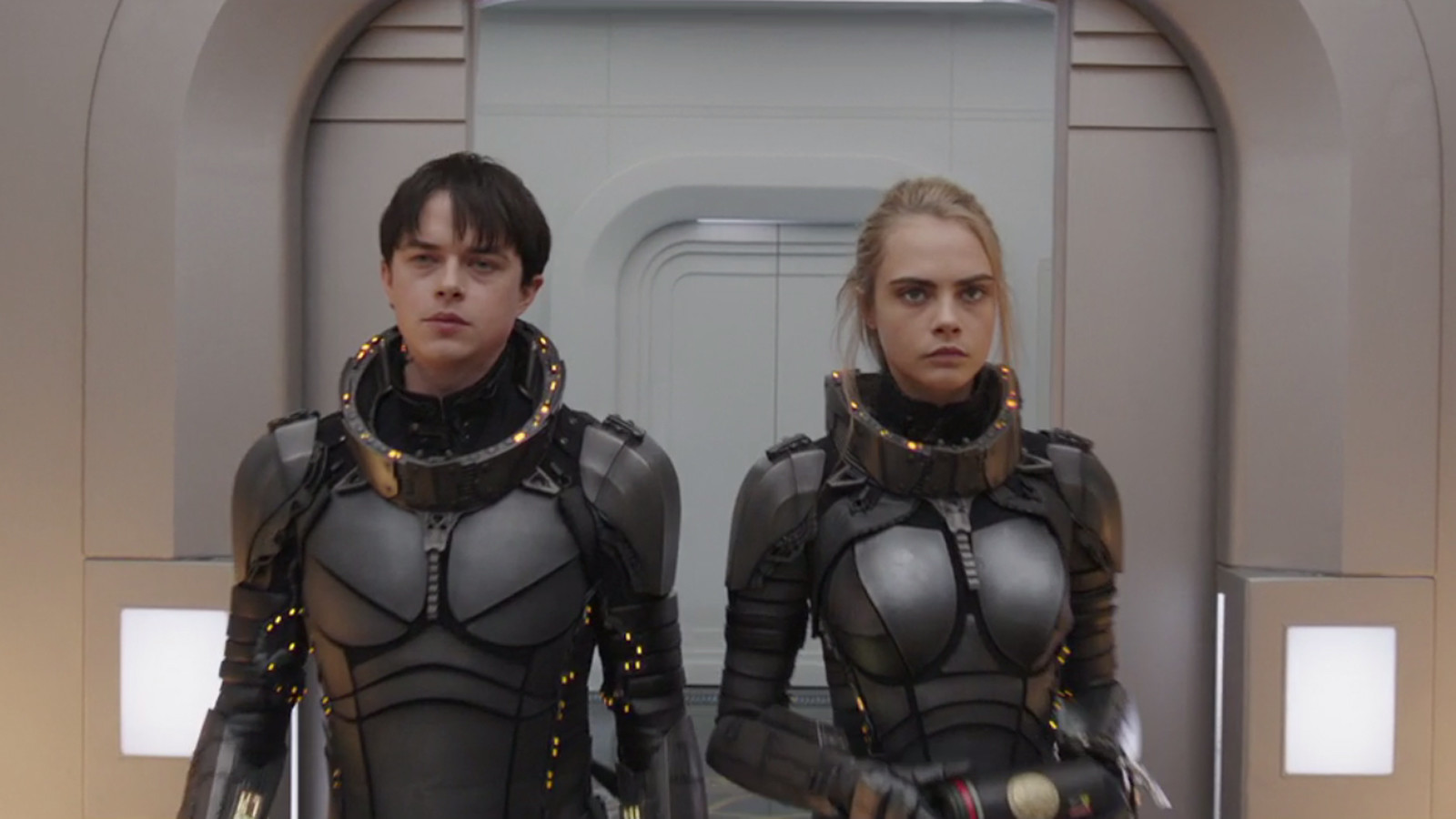 Valerian e la città dei mille pianeti (Valerian and the City of a Thousand Planets) - Valerian (Dane DeHaan) - Laureline (Cara Delevingne)
