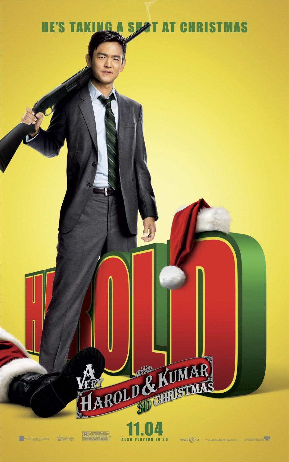 Very Harold and Kumar Christmas - Un Natale da Ricordare - Harold Lee (John Cho) - he's taking a shot at Christmas