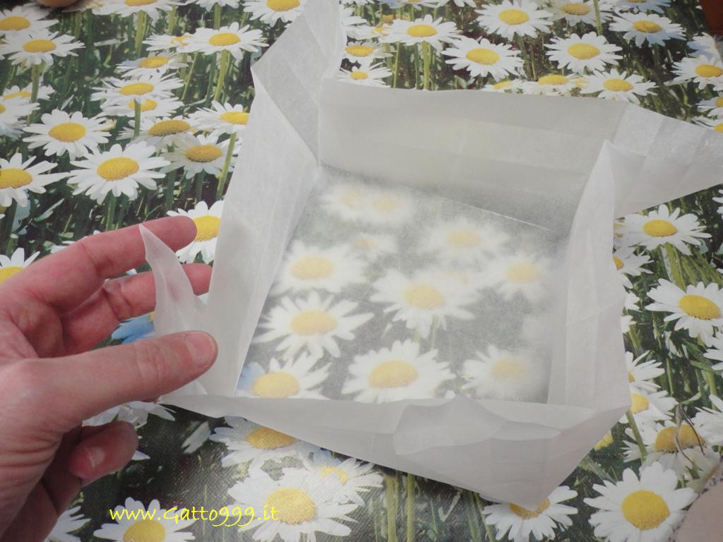 Cose Creative Con La Carta cat - how to make a cake pan with parchment paper