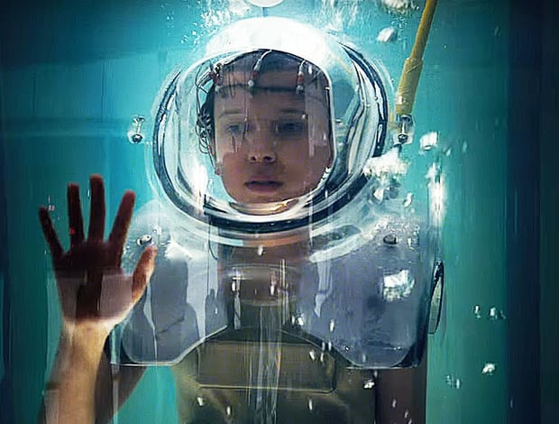 Telefilm - Series - Stranger Things - Undici - 11- Eleven (Millie Bobby Brown) - underwater - experiment