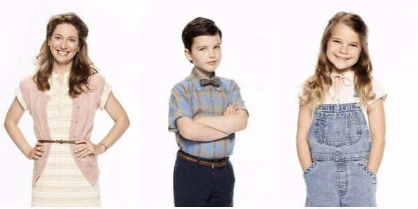 Sheldon Cooper (Iain Armitage) 9 year old - Mary Cooper (Zoe Perry) madre mother - George Cooper (Lance Barber) padre father - Missy Cooper (Raegan Revord) sorella gemella twin sister - George Cooper (Montana Jordan) sorella più grande older brother